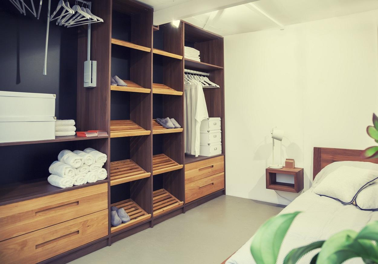 buy-walk-in-closet