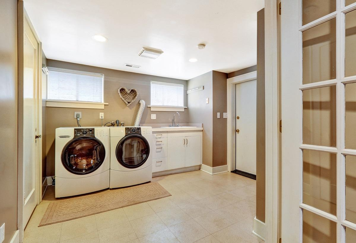 cabinetry-for-laundry-room