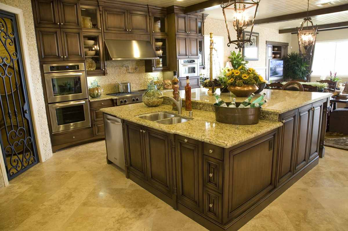 Wood Kitchen Cabinets In Toronto