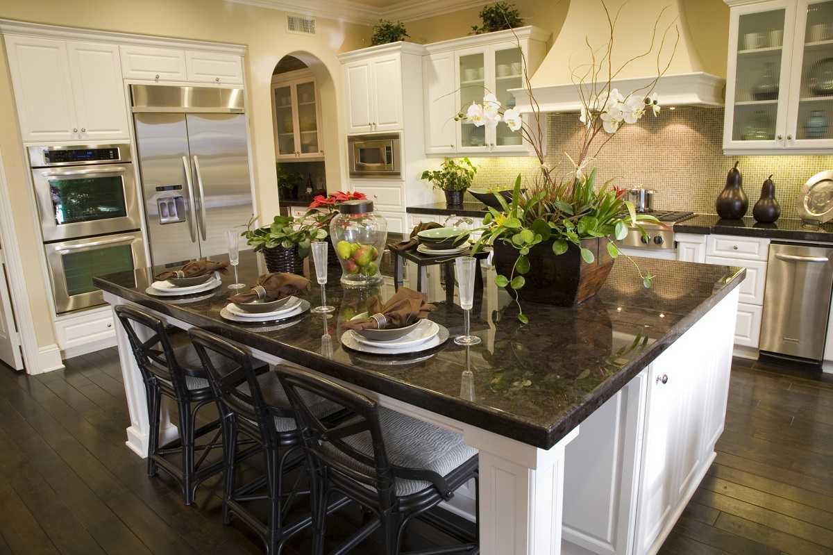 transitional-custom-kitchen-cabinets-toronto