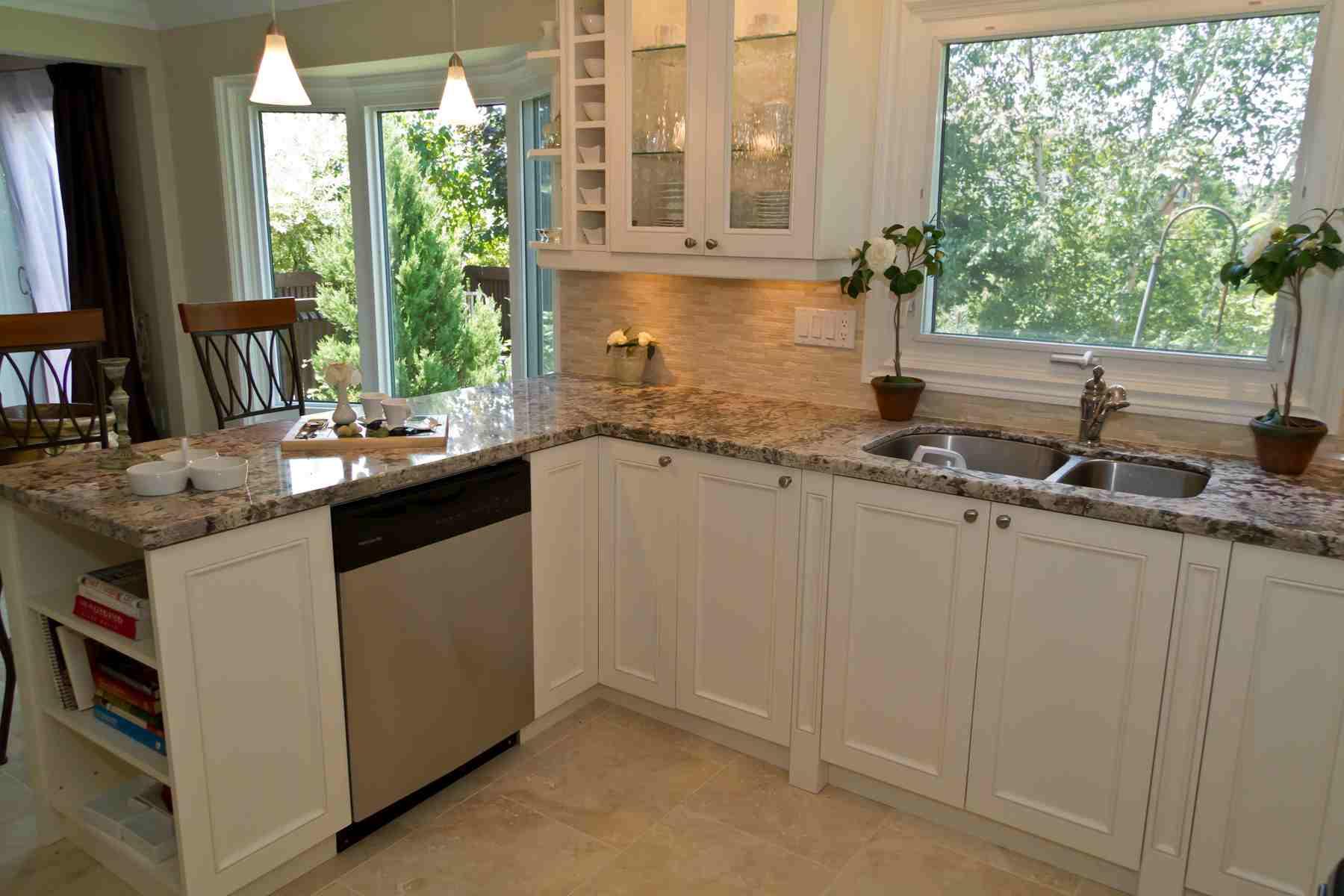 transitional-kitchen-cabinets-torotno