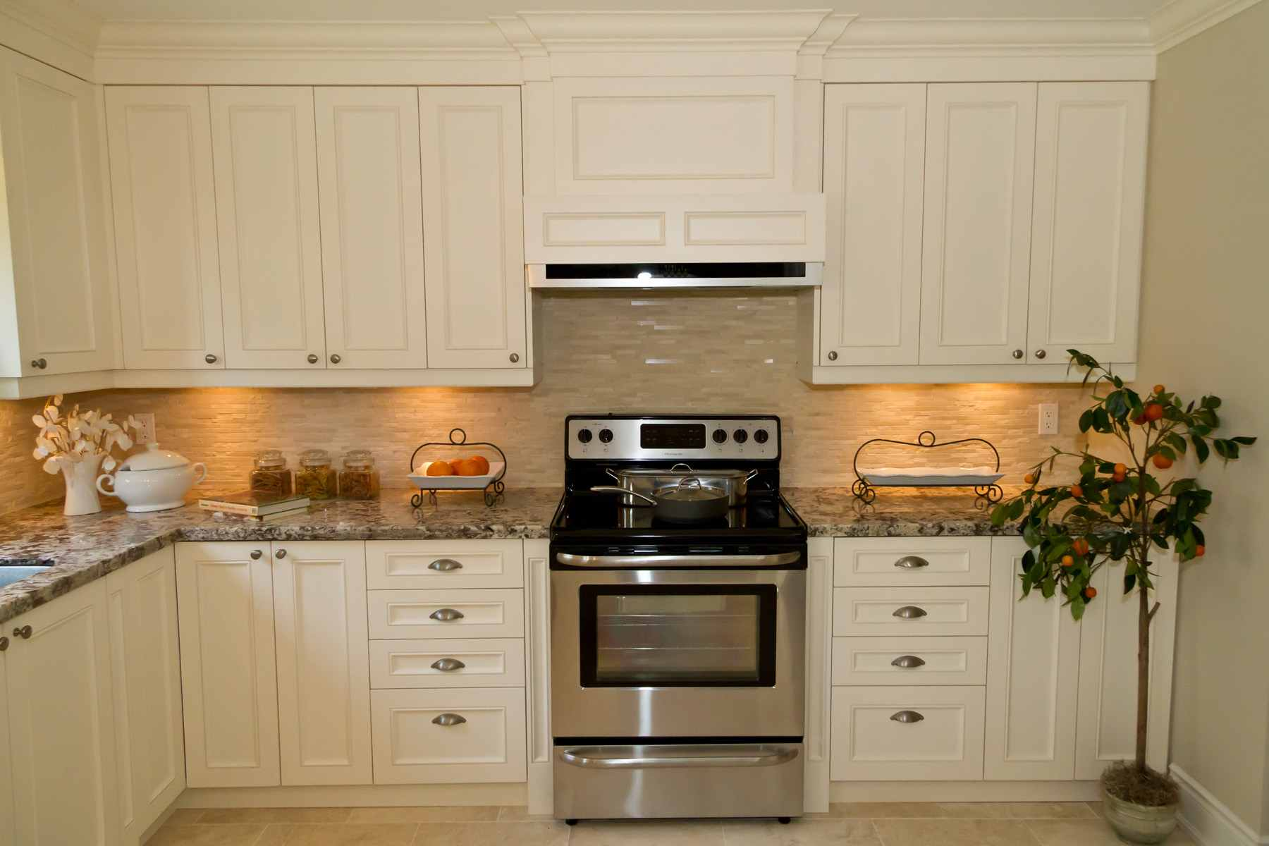 transitional-kitchen-cabinets