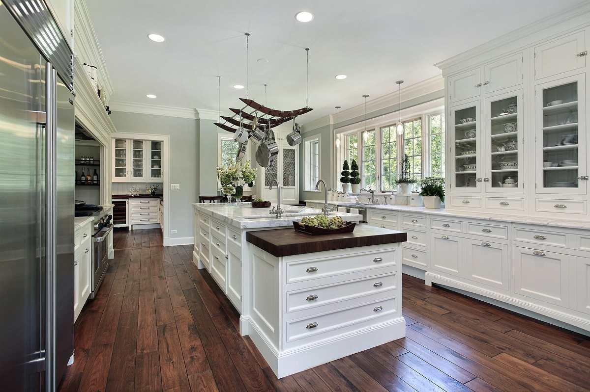 white-traditional-kitchen